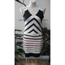 e340f34d62 Mya sötétkék - fehér - rózsaszín mintás pamutos ruha