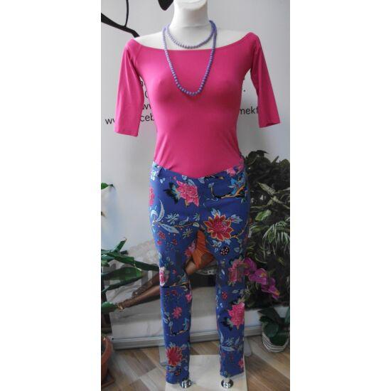 Juliette kék alapon virágmintás rugalmas nadrág