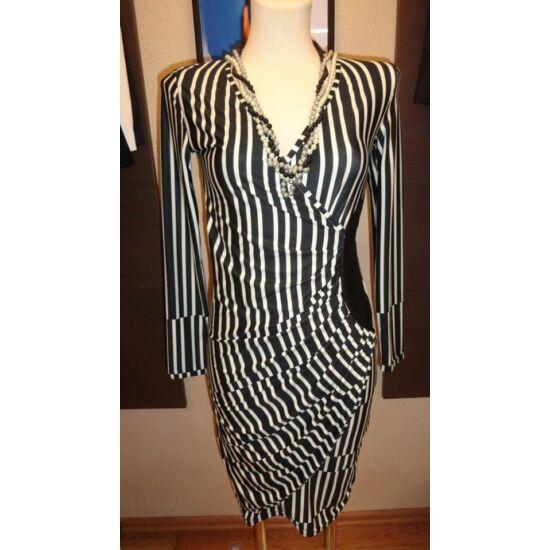 Envy fekete - fehér mintás bőrbetétes poly ruha