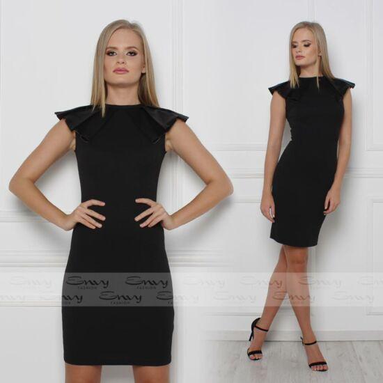 Envy vállain szatén fodros fekete ruha