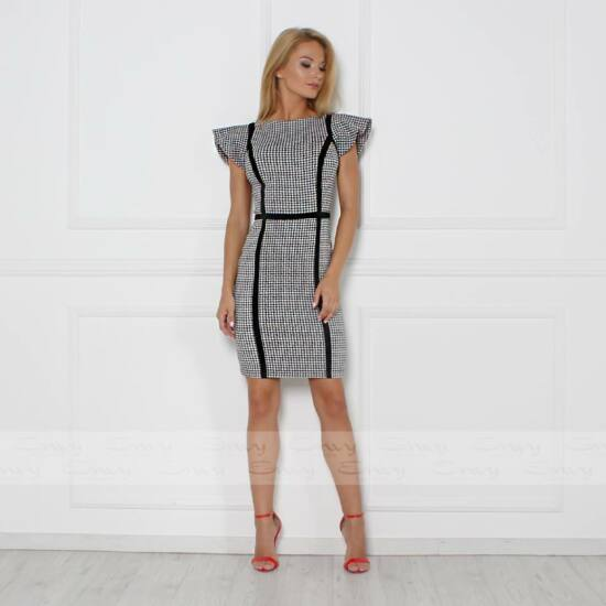 Envy vállain fodros fekete - fehér mintás ruha