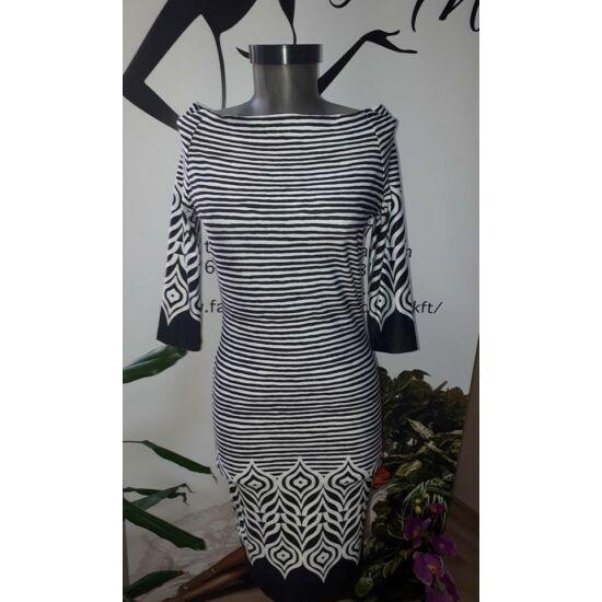 Envy fekete - fehér mintás poly ruha