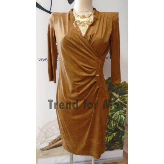 Mystic Day barna oldalán húzott velúros anyagú alakformáló ruha