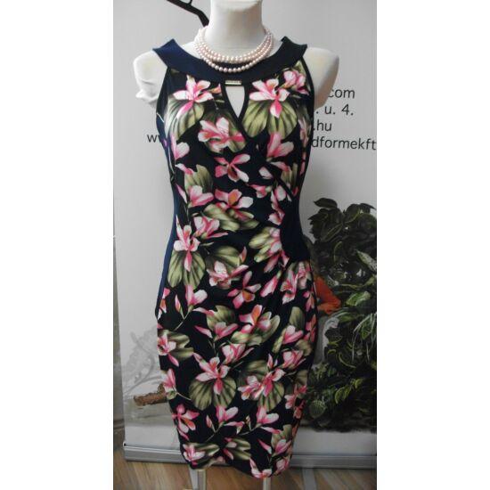 Mystic Day oldalt betétes sötétkék alapon rózsaszín virágmintás alakformáló ruha