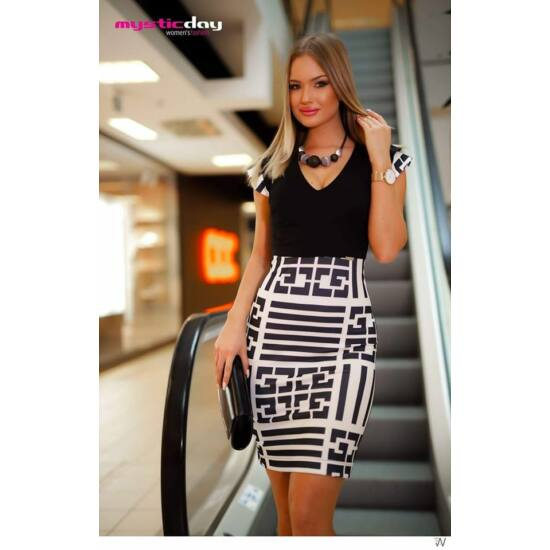 Mystic day fekete fehér mintás alakformáló ruha
